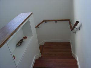 Wall Rail to Closed rise stair