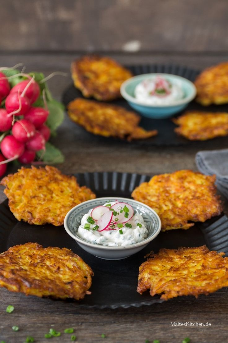 Kartoffel-Kürbis-Puffer mit Schnittlauch-Dip