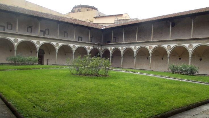 Firenze, chiostro di S. Croce. Gennaio 2013