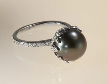 Interesting black pearl and diamond ring: My Future Husband, Diamonds Pearls Gems, Pearl Diamond, Diamond Rings, Dreamy Rings, Diamonds Rings, Pearls Diamonds, Pretty, Black Pearls