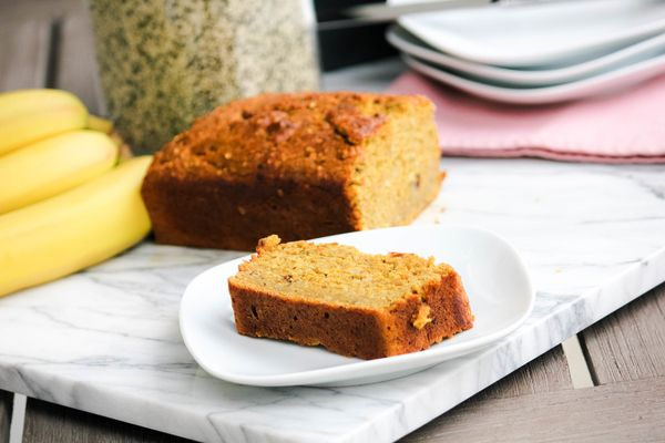 Superfood Gluten Free Banana Bread with Hemps Seeds- The best gluten free banana bread recipe made with hemp seeds, flax, maca and no refined sugar.