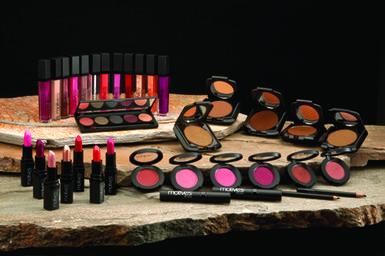 Motives For La La:  La La Anthony's Makeup for Women of Color (Review): Motives For La La.