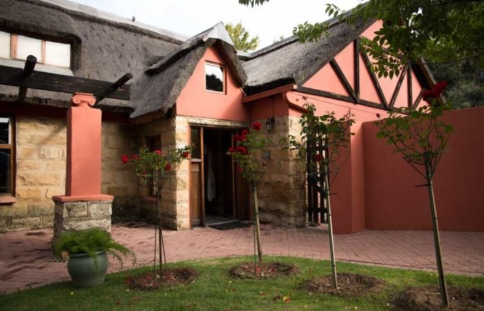 PETER BONNEY CLARENS STUDIO LODGE. Really nice self catering part of my studio. YOU HAVENT STAYED TILL YOU'VE STAYED HERE! Book on my website. Home page here www.clarenslodge....