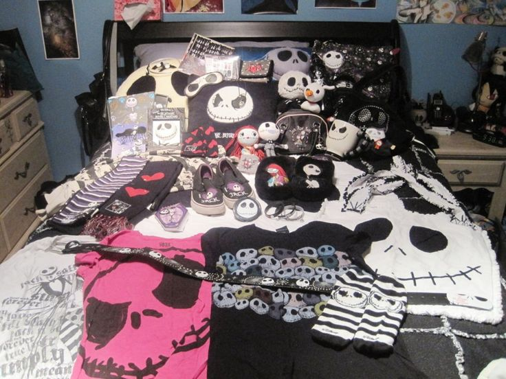 49 best nightmare before christmas images on pinterest for Emo bedroom ideas