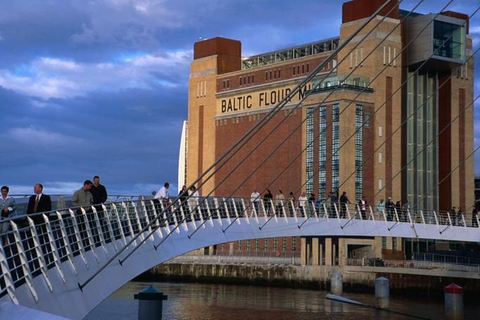 Baltic gallery and Millennium bridge, Newcastle Upon Tyne