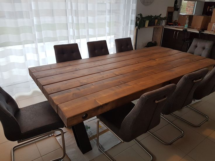 Table Fox en 250x120 cm de chez Pays Bois.