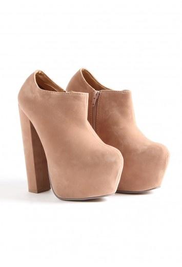 zapatos rosa viejo con plataforma