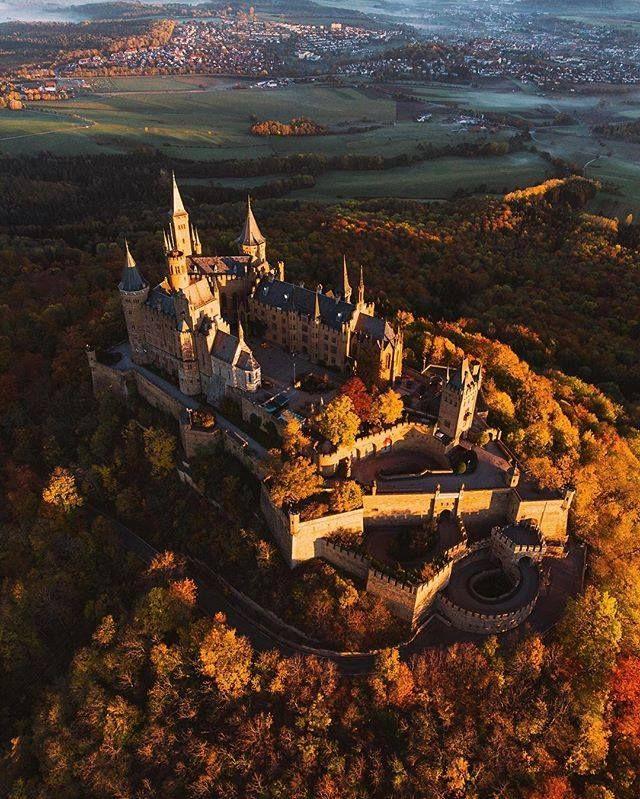 Catching The Sunrise Over Burg Hohenzollern Hohenzollern Castle Germany Castles Castle House