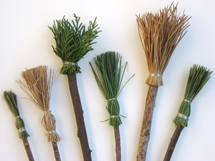 Natural brushes. Love the grease ones! Fab idea for soft strokes