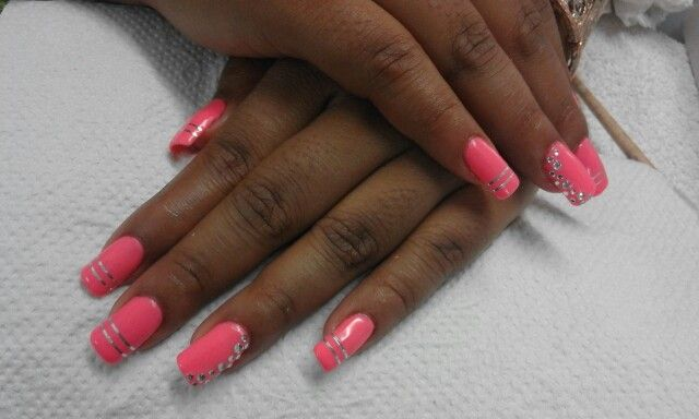 Coral gel with silver stripes and silver diamontes