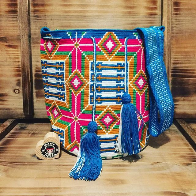 Syncretism in wayuu culture, see the cross? #❤️ #wayuu #style #ethicalfashion #indigenousrights #ootd #love #mochila #fblogger #fashion #fashionblogger #칠라백 #와유백 #독특한 #排他的 #獨家 #퓨전 #融合 #聚變 #애정 #愛 #愛 #귀엽다 #可愛い #taiwan #china #wayuulovers #zürich #handmade #friendship #wholesale