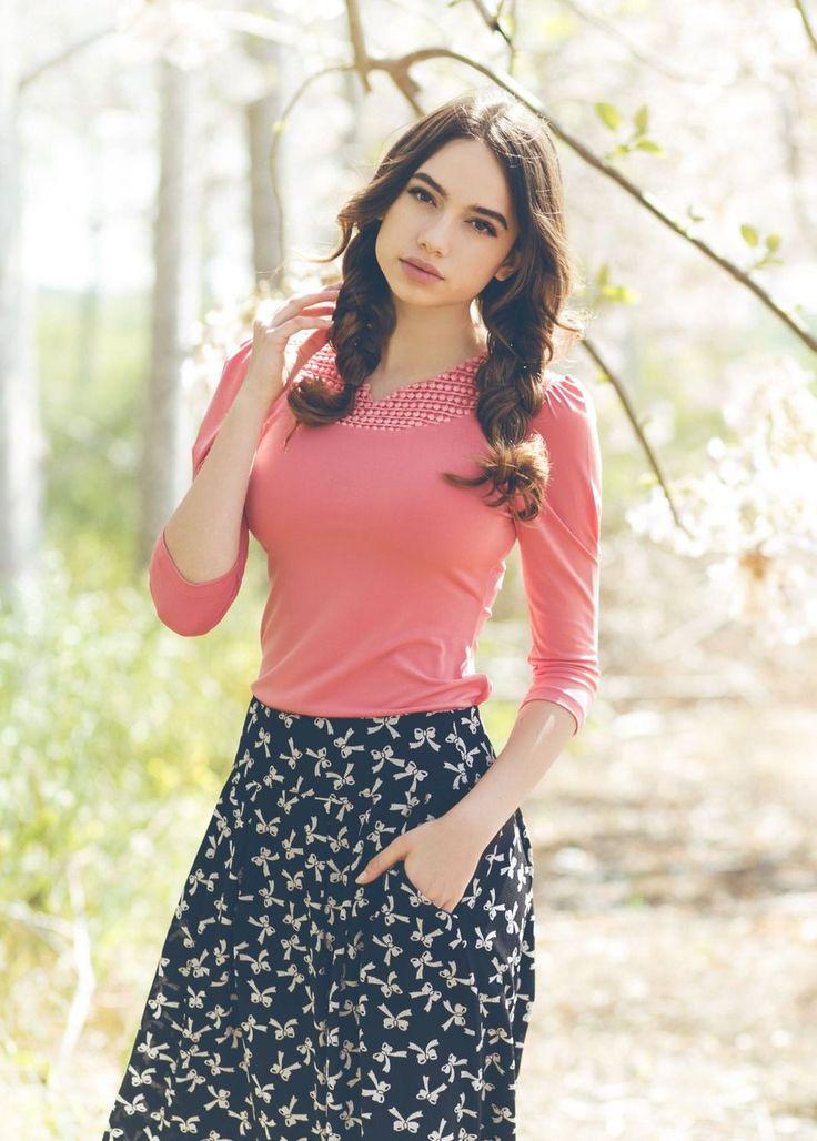 Bow Black Almond Skirt
