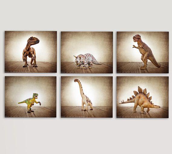 Set von 6 Dinosaurier Prints auf braun Hintergrund von shawnstpeter