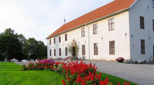 Chateau Sundbyholm - Sweden  http://www.historichotelsofeurope.com/en/Hotels/chateau-sundbyholm.aspx
