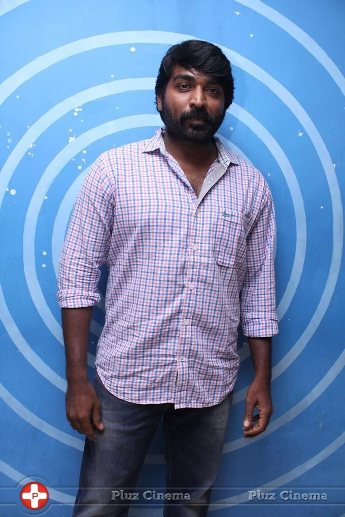 Picture 826529   Vijay Sethupathi - Photographer Karthik Srinivasan As DJ Photos Events Actors