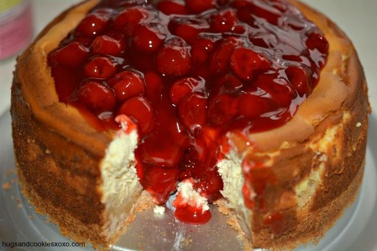 cherry cheesecake with cookie crust