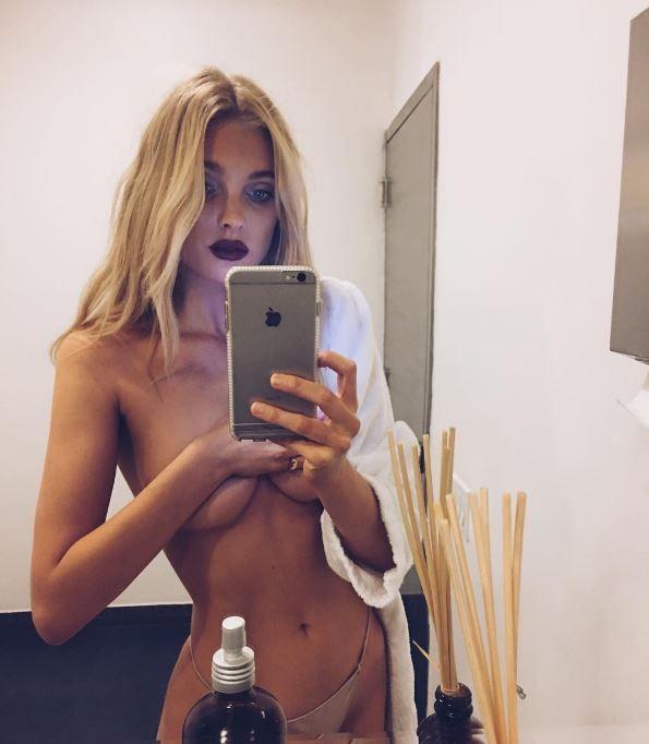 Spiegel selfie vor nackt Geile Teen