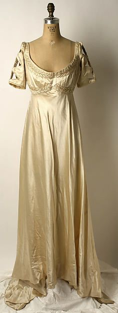 Silk evening dress (1910) designed by Liberty & Co. (British, founded London, 1875). Image and text courtesy The Metropolitan Museum of Art.  Heaveninawildflower