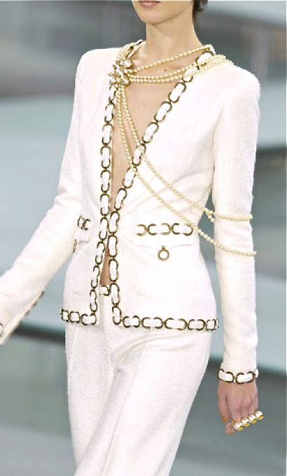 Fashion | Work Weare | Rosamaria G Frangini |Chanel