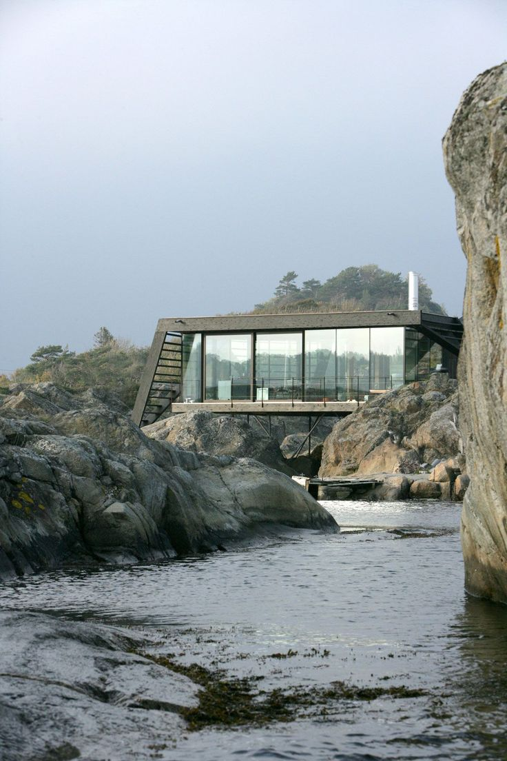 House on stilts embraces the rocky norwegian landscape