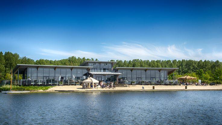 Wateraanzicht Villa Westend