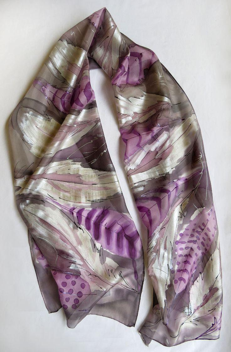 Foulard de soie peint à la main. Plumes echarpe en soie. Cadeau pour la nouvelle année : Echarpe, foulard, cravate par galatate-echarpe-en-soie