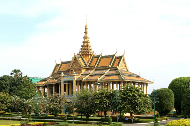 Palace was constructed after King Norodom relocated the royal capital from Oudong to Phnom Penh #PhnomPenhCityTour #RoyalPalace #Oudong