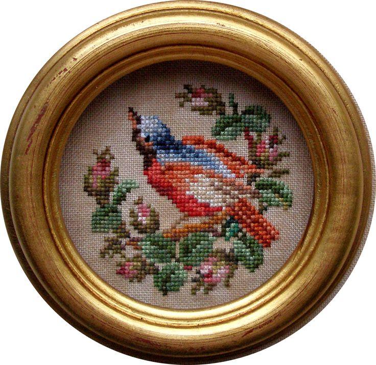 Пустячок, а приятно.: Его превосходительство любил домашних птиц и брал под покровительство хорошеньких девиц :)