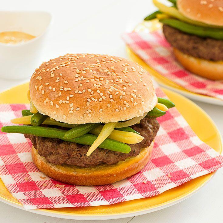 Burger wołowy z fasolką szparagową