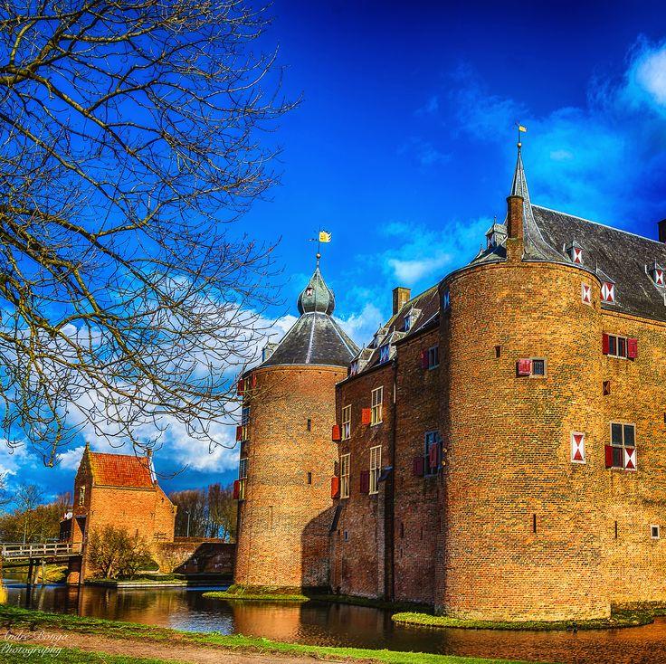 Kasteel Ammersoyen #nikon #castel #Ammerzoden #hdr #bridge #restaurant #gelderland #visitgelderland #visitbrabant #kasteel #gelderslandschapkastelen #prettyholland