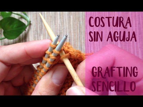 Une dos piezas de punto bobo con una costura horizontal invisible. Encuentra patrones gratis y aprende a tejer de la forma fácil en http://lalaneria.com