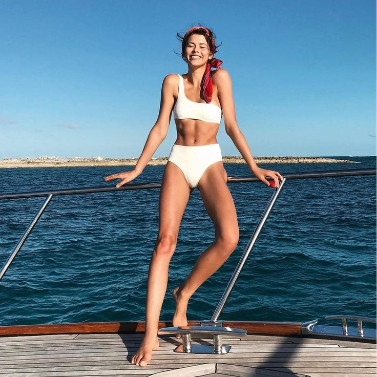 The 10 Best Beauty Instagrams of the Week: Bella Hadid, Georgia Fowler, and More — Vogue