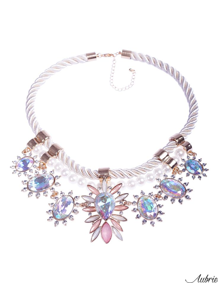 #aubrie #aubriepl #aubrie_necklaces #necklaces #necklace #jewelery #accessories #mavis #pastel #colorful #shine #crystal