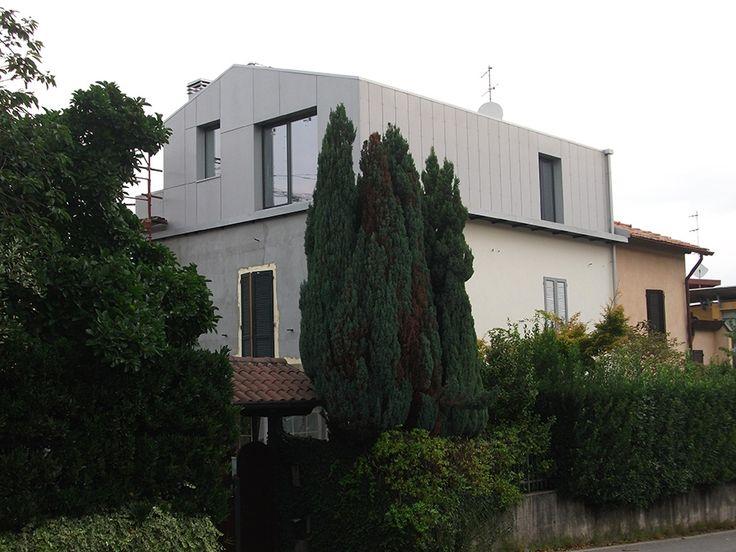 Soprelevazione in legno realizzata da Novellocase su progetto dello studio LCA architetti a Varese