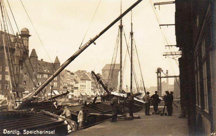 1930-1938. Nabrzeże przy Wyspie Spichrzów. http://gdansk.fotopolska.eu/zdjecia/m33188,Gdansk.html?zakres=4&podzakres=1&zdjeciaOd=1934&zdjeciaDo=1934