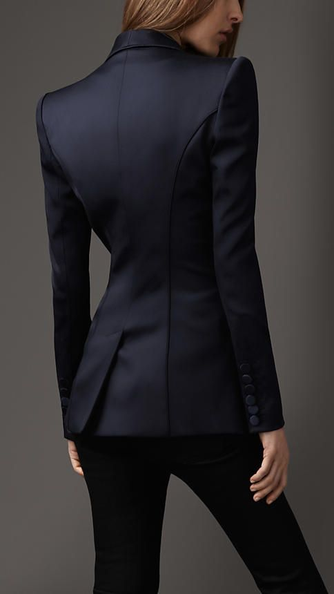 Mmmdrooling Burberry. Fitted Tuxedo Jacket. LOVE the seams. *Heart heart heart throb*