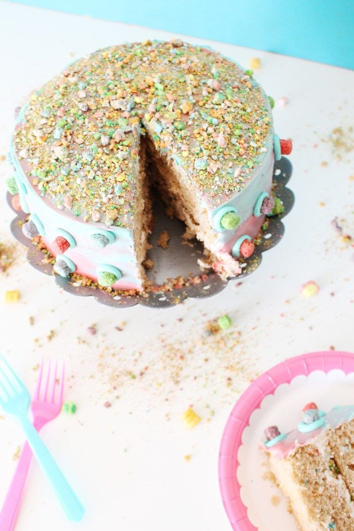 Captain Crunch Berries with Marshmallows Cake 3