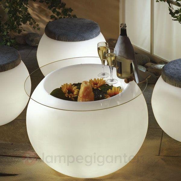 Lysende bord som kan brukes med bordplate eller uten - da er det en lysende blomsterpotte!