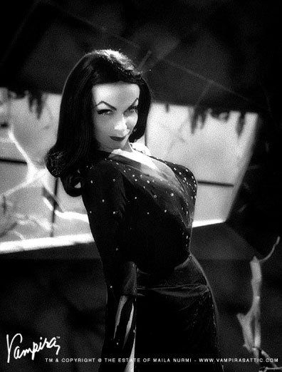 Vampira....oh yess! 38488_416336692567_6387179_n.jpg 396×522 pixels