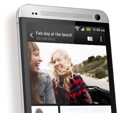 Para capturar um momento é necessário mais do que uma imagem. É por isso que o novo Celular HTC One inclui a Câmara HTC UltraPixel. Basta premir o botão do obturador para o HTC One tirar automaticamente até 20 fotos e fazer um vídeo de 3 segundos — uma imagem que ganha vida.