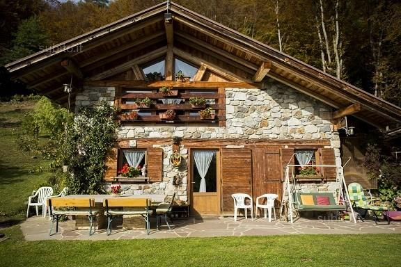 Interni baite di montagna casafacile case di montagna for Kit da baita di 5 camere da letto