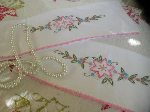 50s Vintage Victorian Flower Pillowcase Set