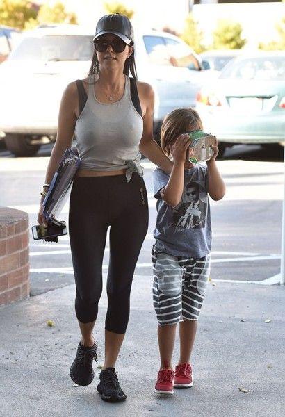 Kourtney Kardashian Photos - Kourtney Kardashian and Son Mason Stop by a Doctor's Office - Zimbio
