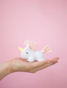 Tutoriel DIY: Fabriquer une licorne en peluche tout douce via DaWanda.com
