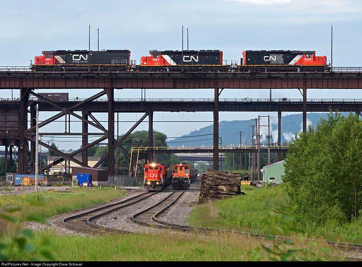 RailPictures.Net Фото: CN 2104 Канадская национальная железная дорога GE C40-8 (Даш 8-40C) в Дулут, штат Миннесота Дэйв Schauer