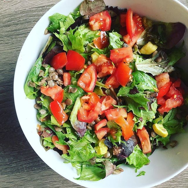 """Another day, another """"taco salad"""" (pre avocado)  #plantbased #realfood #veganrecipe #feelgoodfood . . . . #plantbasedfood #balanced #realfood #wholefoods #eatsimple #foodasmedicine #fueledbyplants #plantpower #poqeredbyplants #nutrition #heaingwithfood #eatyourveggies #eattherainbow #veganpaleo #grainfree #glutenfree #shitfree #scd #intuitiveeating #eatwell #eatwelllivewell #wellness Vegan Recipes from BEAUT.e See more recipes >>"""