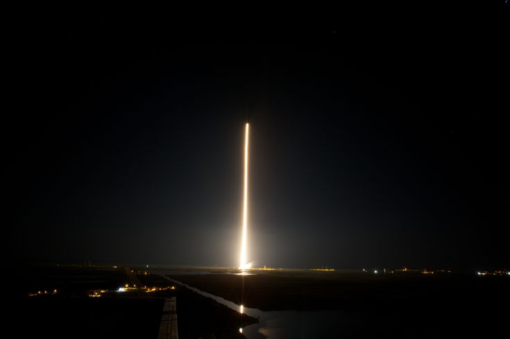 1-min exposure shot of the TDRS-L launch.  This was taken from the roof of the Vehicle Assembly Building.