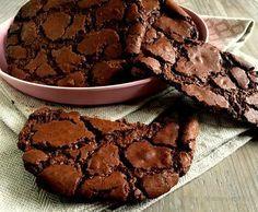 Disse her helt fantastiske cookies, har efterhånden fulgt mig i en del år og det er ubetinget den bedste opskrift på chokoladecookies, som jeg kender. Opskriften stammer vist oprindeligt fra Hummingbird Bakery, men i årenes løb har jeg modificeret den en smule og desuden halveret mængden, da den oprindelige opskrift simpelthen blev for stor. Denne her portion giver …