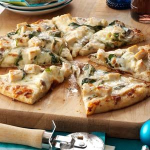Rich Chicken Alfredo Pizza Recipe from Taste of Home ~ Enjoy! #recipe