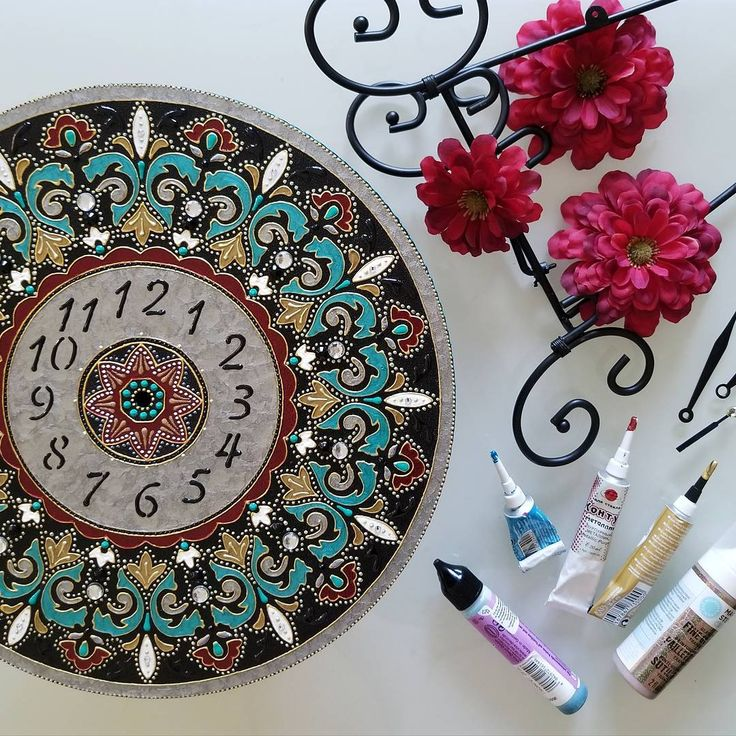 I haven't made the clocks in a while... but now #inprogress  ___ #styleyourhome #walldecor #clocks